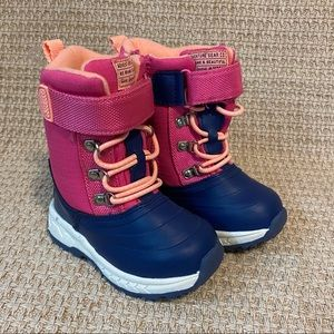 Carter's Snow Boots Size 7 New With Tags